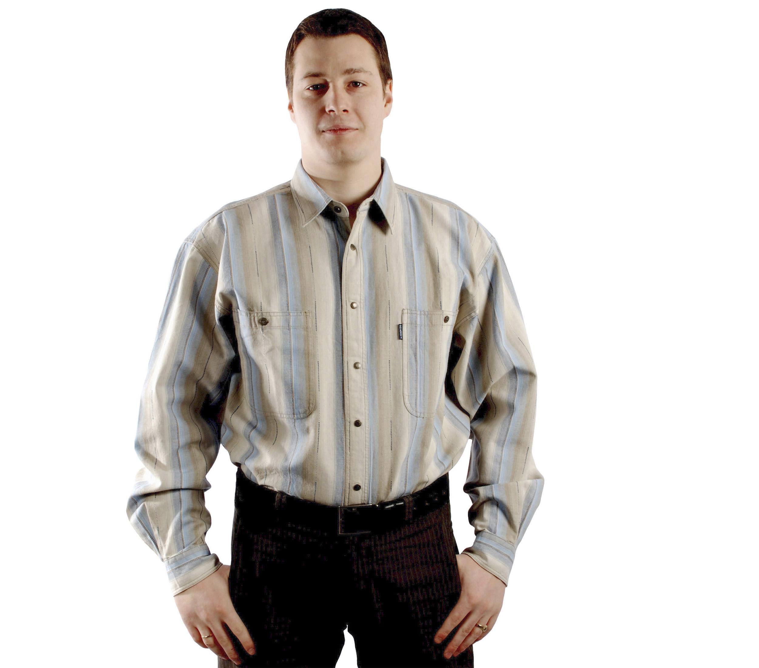 Рубашка большого размера в сине-бежевую крупную полосу.