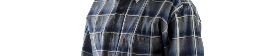 Мужская рубашка большого размера в крупную синего цвета клетку. Модель длинный рукав с двумя большими карманами свободного кроя.