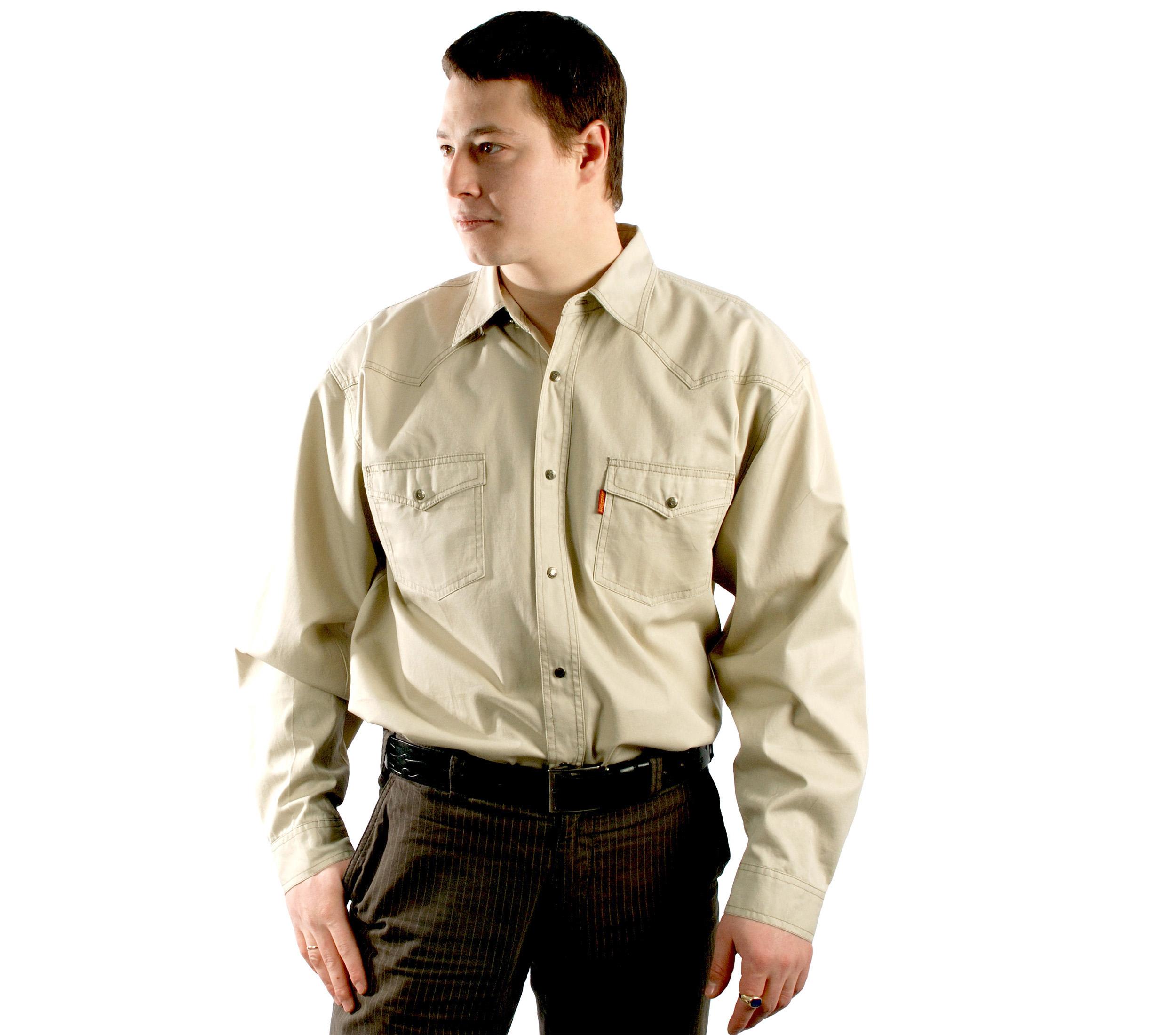 Джинсовая рубашка супер большого размера бежевого цвета.