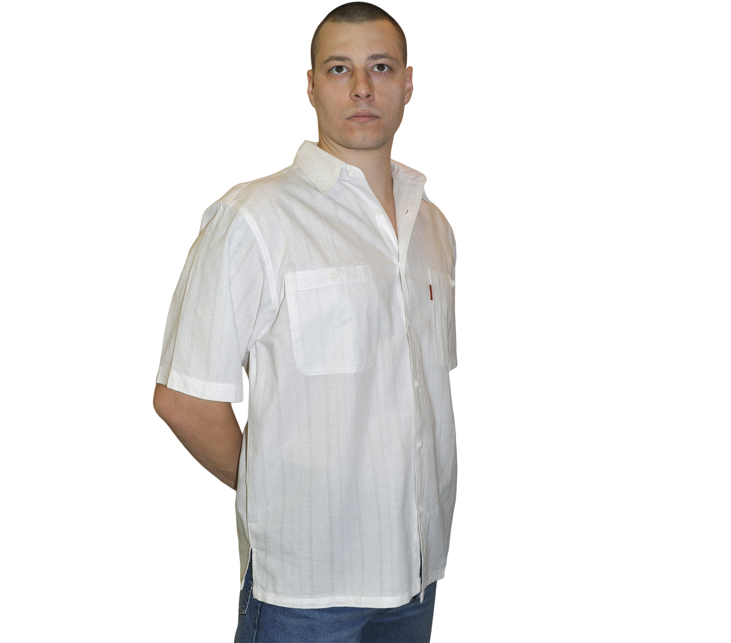 Рубашка с коротким рукавом белого цвета с прострочками. Размер