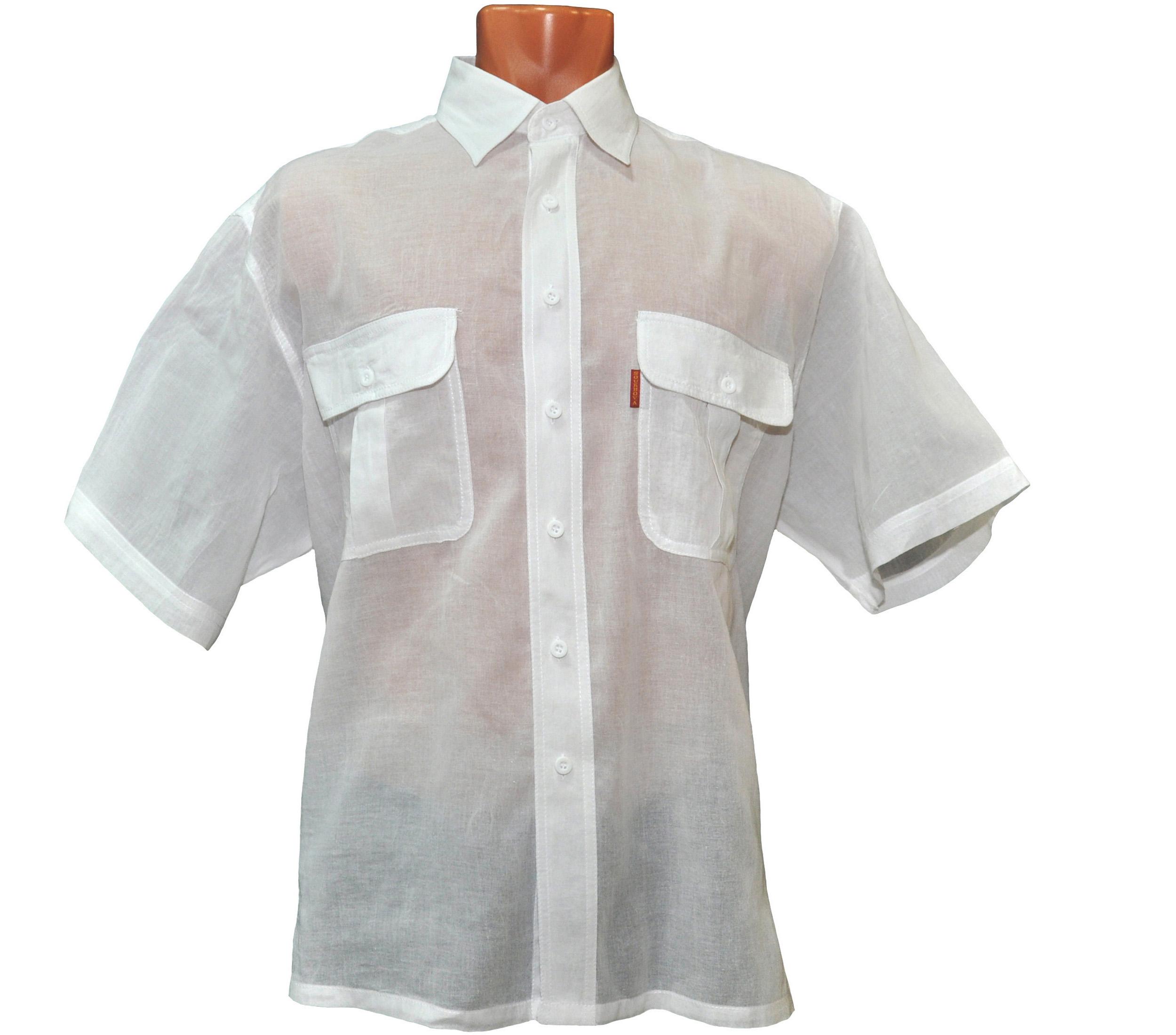 Рубашка с коротким рукавом тонкого белого цвета . Модель очень