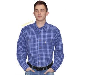 Рубашка хлопковая. Модель свободного кроя дополнение два больших кармана на пуговицах. Рубашка в среднюю синюю клетку на белом фоне с тонкой красно-белой полосой.
